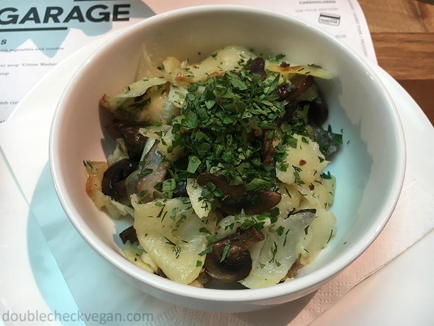 Vegan potatoes and mushrooms at GARAGE Museum in Moscow.