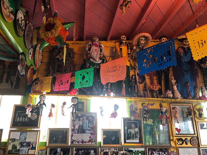 - old school Los Angeles restaurants - Olamendi's interior